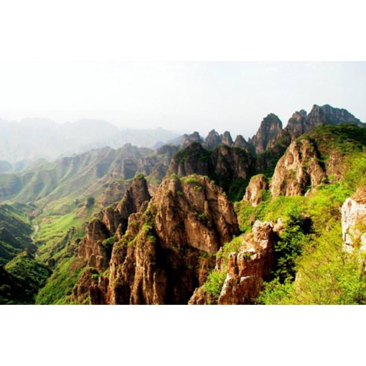 狼牙山坐落在河北省保定市易县