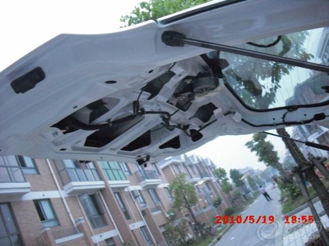 安装gps和倒车影像系统3-拆后门