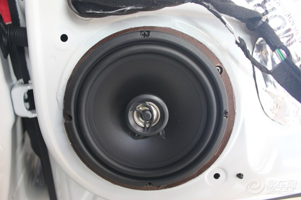 重庆标致308汽车音响改装 心动不如行动高清图片