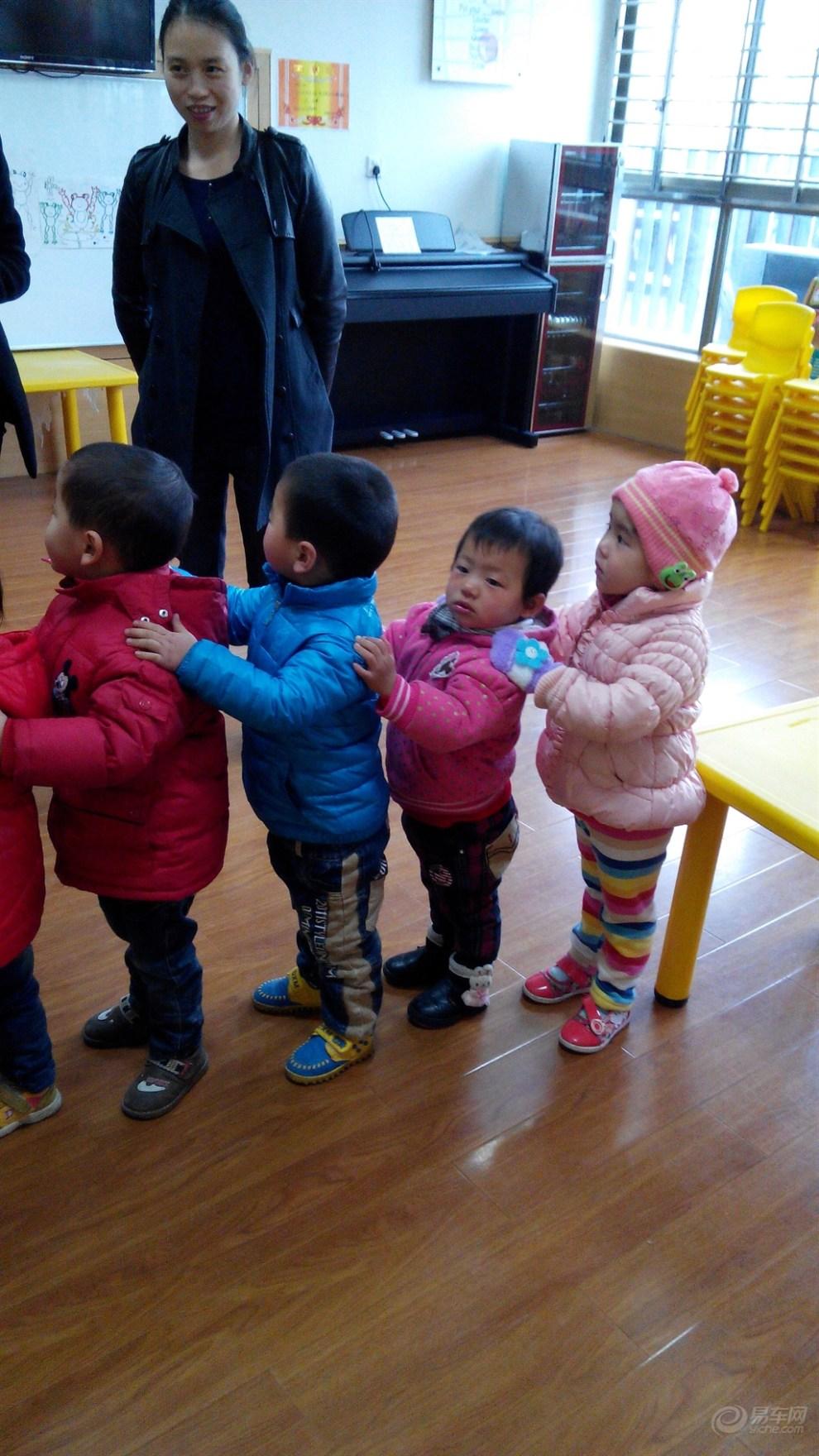 【宝贝快乐秀】宝宝在幼儿园上课!