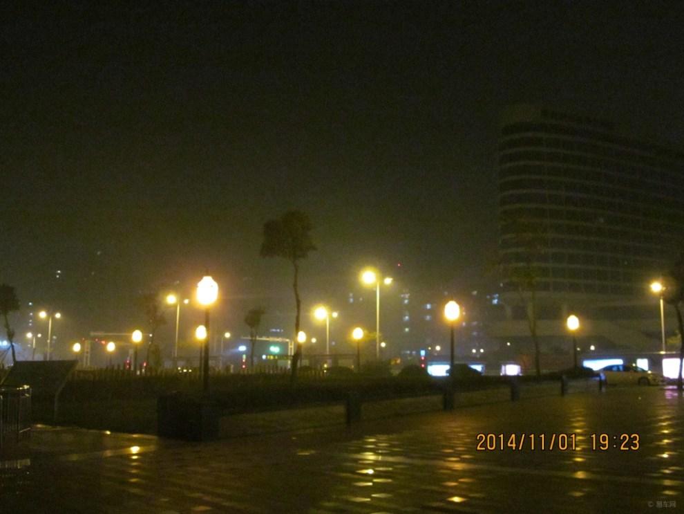 唐岛湾公园夜景(续)