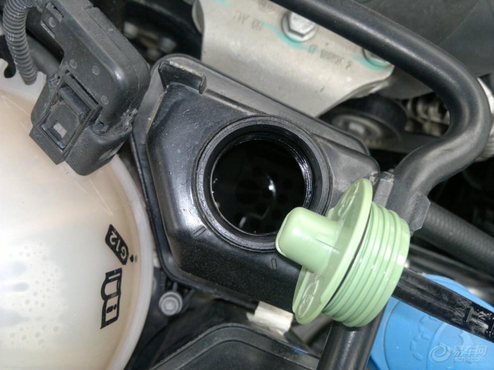 汽车助力转向油_汽车转向助力油,怎么加?自己能加么?-