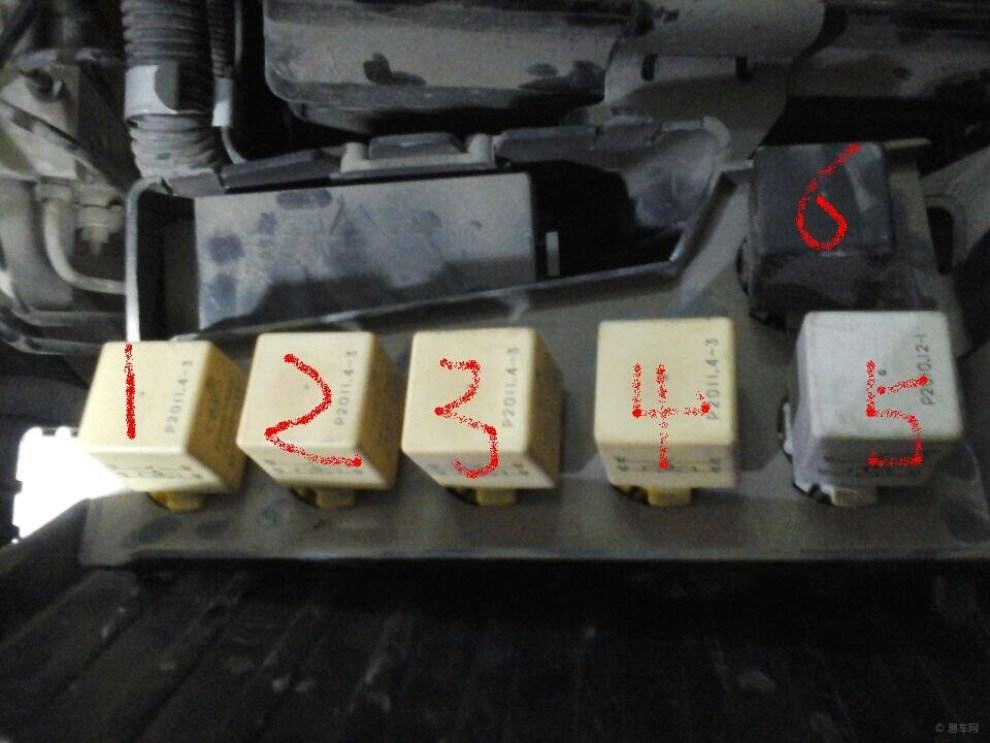 谁知道爱丽舍机舱内的这个几个继电器分别有什么用?