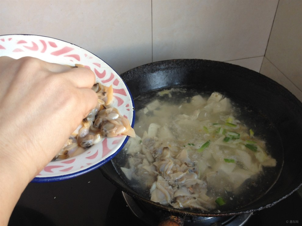【【菜肴分享】东北豆腐美食-麻特色炖蚶子】迅雷美食降2从天图片