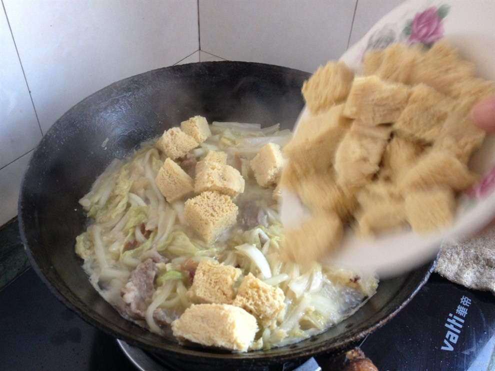 【【白菜分享】东北特色美食-炖菜炖冻豆腐】彩虹美食色图片