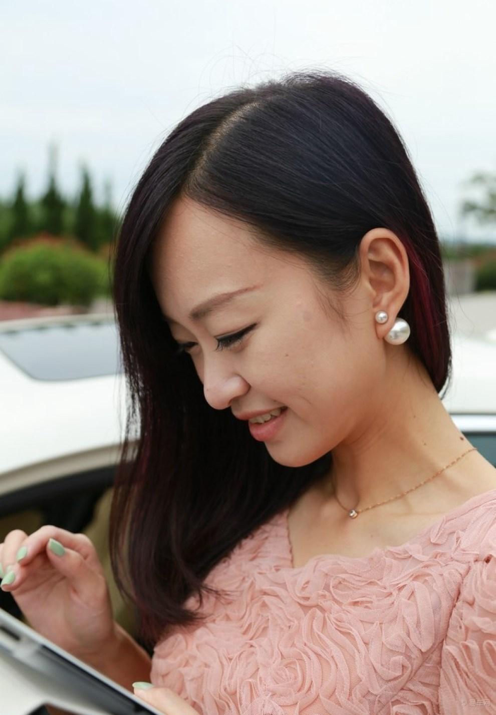 媳妇_【媳妇当车模】---凯迪拉克ats作业!求精华!