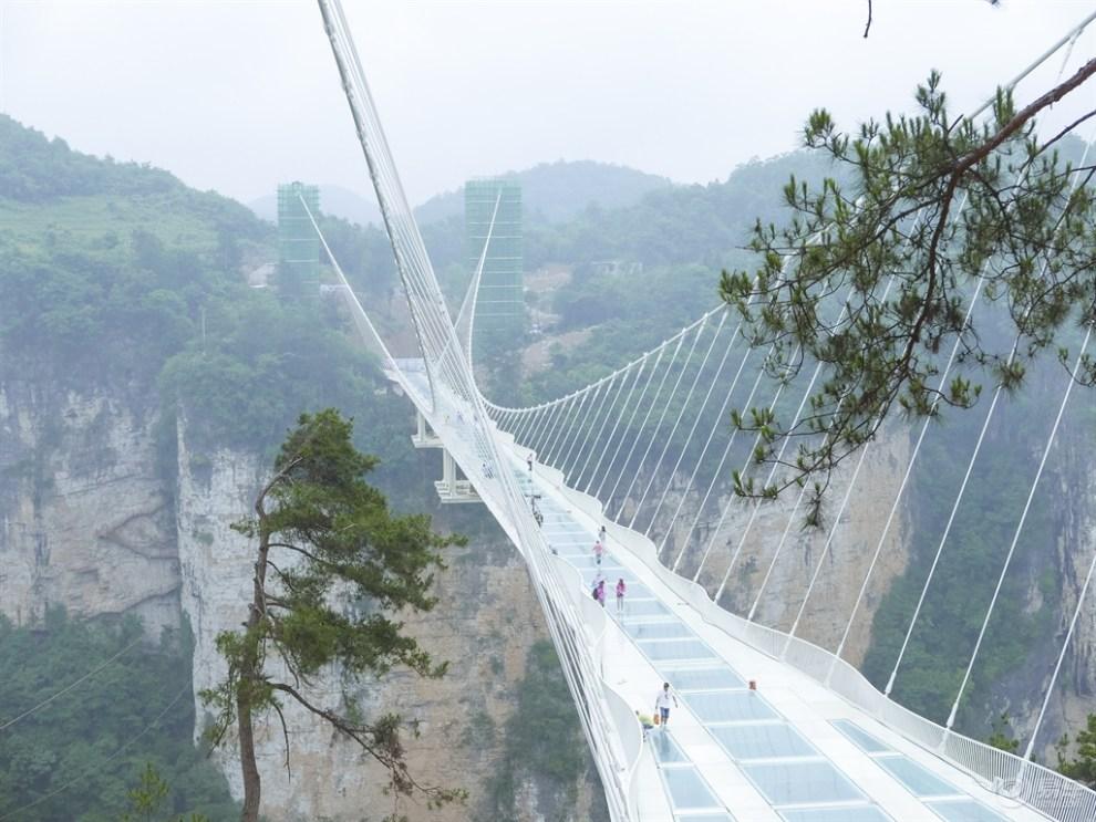 女摄影师另类玩转张家界,体验世界最高最险玻璃大桥