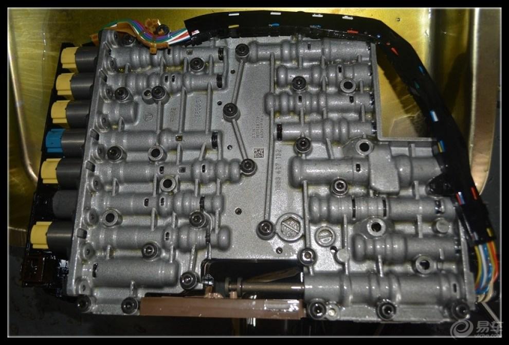 奥迪a6l变速箱顿挫冲击,变速箱阀体故障,维修案例图片