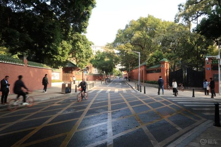 看看从前的校园,和凯美瑞重回记忆中的东山口