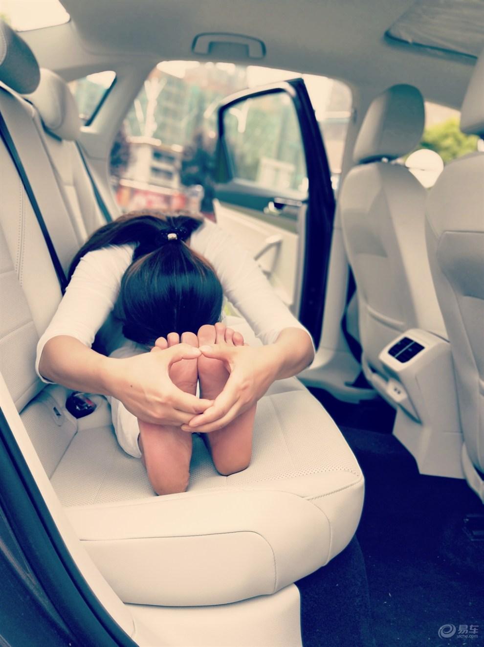 【柔美瑜伽,禅意生活】媳妇当车模 与朗逸plus上演身体