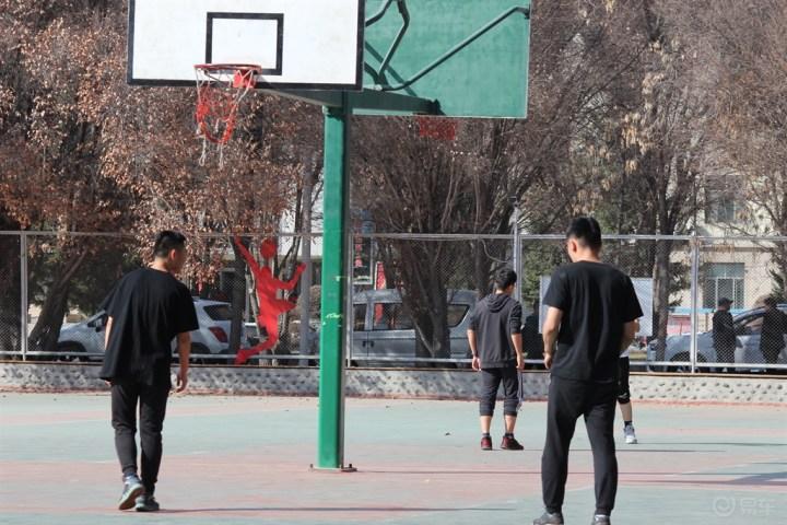 【博乐辰粉车友会】为中国男篮加油!