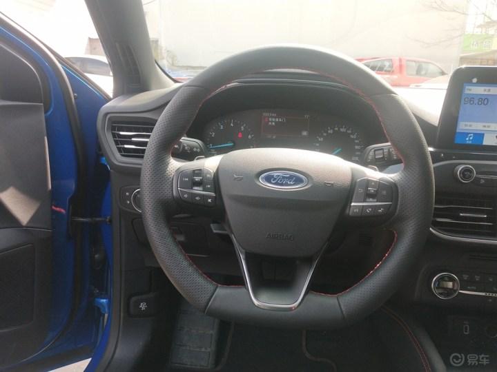炫酷蓝色新一代福克斯ST Line版提车!漂亮极了!