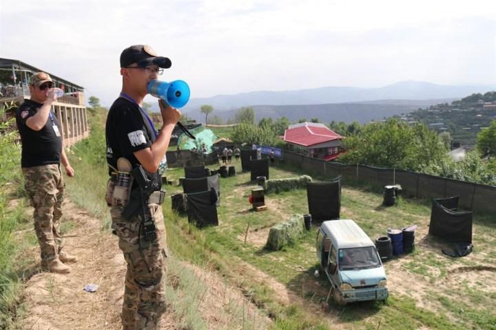 周末我们一起去南山—体验真人CS野战游戏