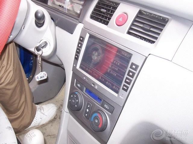 夏利N5改装作业 上图咯高清图片