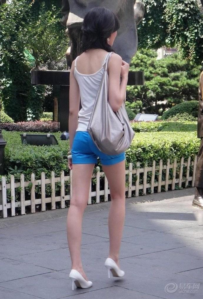【长沙步行街街拍美女】