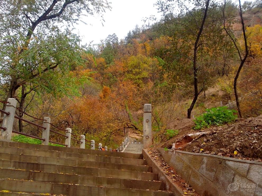 圣达菲延安市志丹县九吾山(全国唯一的道教真人肉身塑像)自驾游