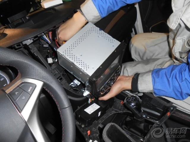 成就现实,白色CS35提车后安装踏板导航 请版主加精鼓励 -长安CS高清图片