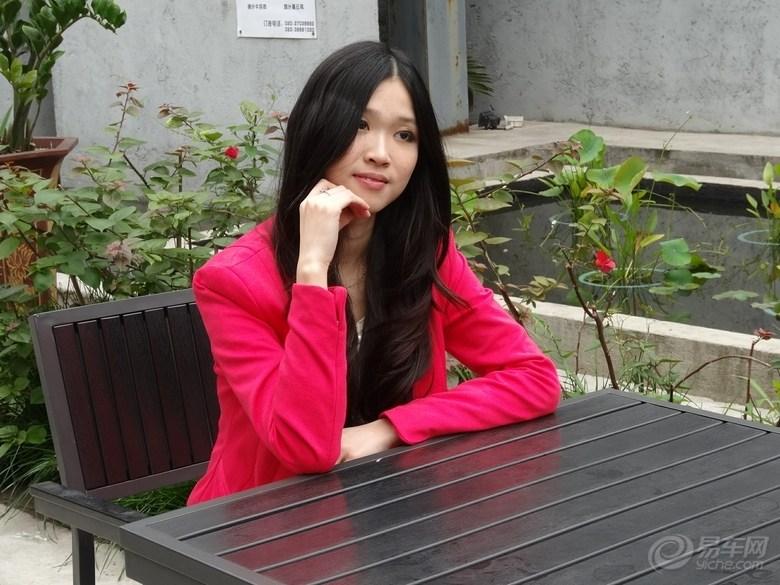 shengbangmeinu_红砖厂香车美女,万利隆酒庄红酒佳人.