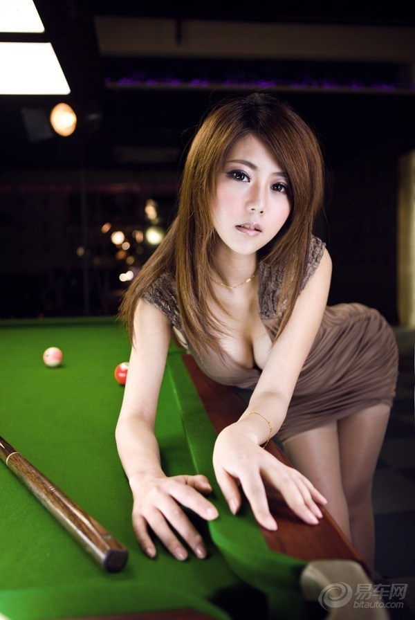 台球美女m